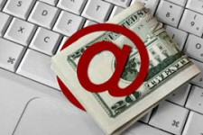 33% владельцев платежных карт в Болгарии делают покупки через интернет