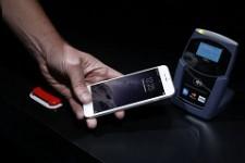 Apple обрабатывает две из трех бесконтактных транзакций в США