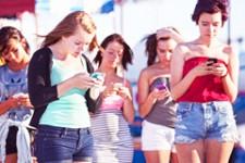 Мобильные платежи использует молодежь и люди с высокими доходами