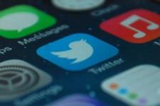 Платежи в Twitter добрались до Великобритании