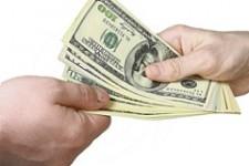США разрешили некоммерческие денежные переводы из Крыма
