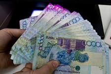 В Казахстане ограничат снятие средств с банковских счетов