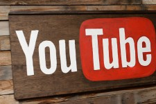 YouTube ужесточил правила монетизации контента