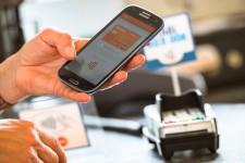 Банк ВТБ запускает мобильные платежи в Грузии