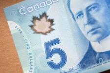 Как предпочитают расплачиваться канадцы?