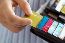 В ОАЭ отменили комиссию за платежи по кредитным картам