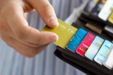 В какой стране чаще пользуются банковскими картами?