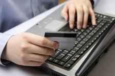 Каждую пятую оплату платежной картой украинцы совершают в интернете