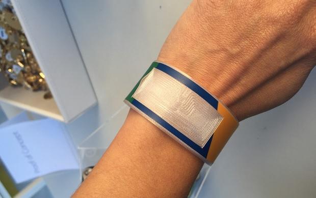 visa_wristband2909