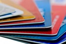 Банки рекомендуют жителям Крыма ограничить использование пластиковых карт