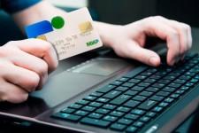 Всех торговцев в России обяжут принимать карты национальной платежной системы
