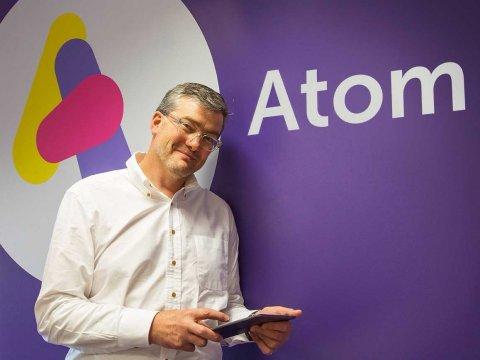 Мобильный банк Atom