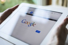 Google вводит запрет на рекламу микрокредитов