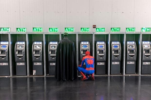 Умный ящик с деньгами: как работает банкомат (фото)