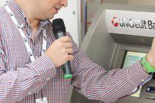 В Украине установлен первый бесконтактный банкомат