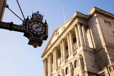 Банк Англии ищет пути поддержания финансовой стабильности
