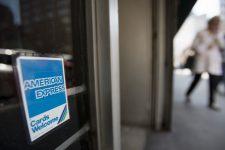 American Express забирает бизнес у стартапов