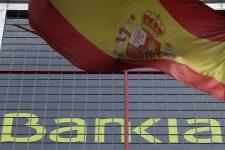 Повальный кризис: прибыль испанского банка сократилась вдвое