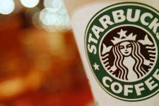 Starbucks расширит географию сервиса мобильных платежей