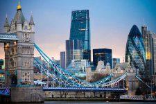 Британским банкам дали два года на внедрение финтех