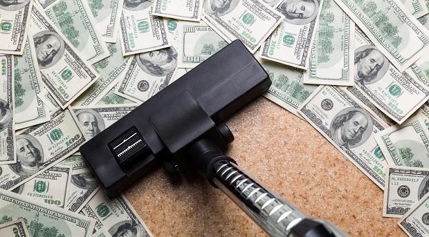 деньги на полу