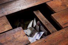 Рейтинг тайников: где хранят деньги взяточники