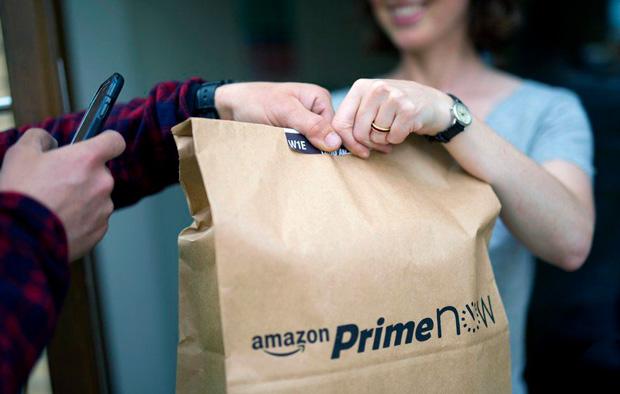 Amazon расширяется: компания запустит сервис доставки еды в Европе (видео)