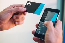 В Интернете можно будет расплатиться бесконтактной картой