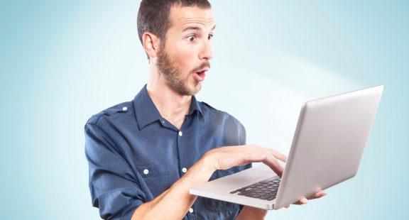 o-man-computer-surprised-facebook