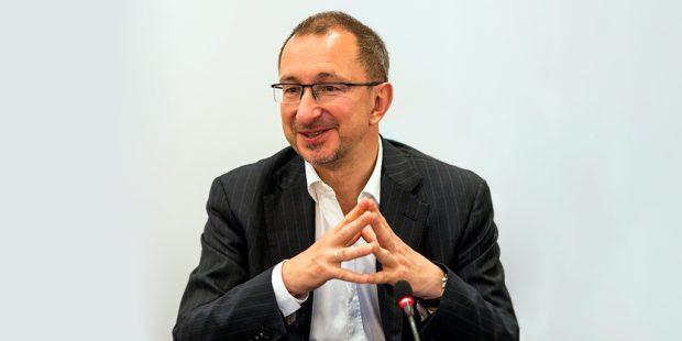 Виктор Достов