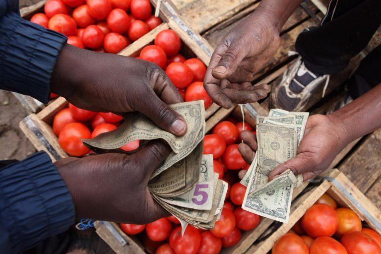 Зимбабве вынуждено перейти на электронные платежи