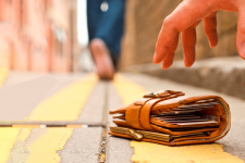 Как снять деньги если потерял карту: полезный лайфхак