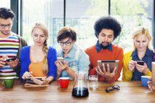Молодое поколение не доверяет банкам: исследование Facebook