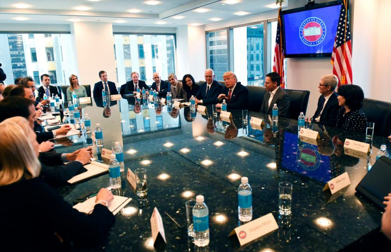 Дональд Трамп «помирился» сгигантами хайтек-индустрии США