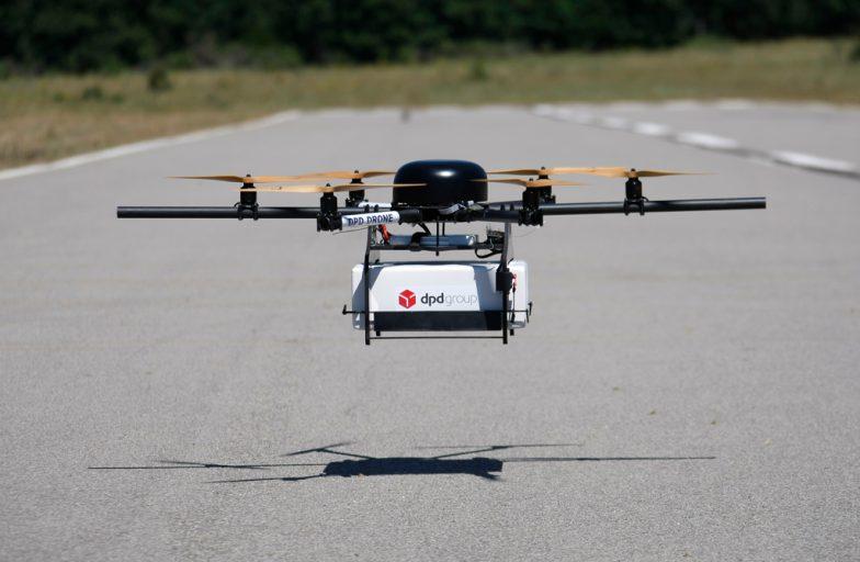 Доставка для стартапов: Во Франции открыт первый маршрут для дронов (видео)