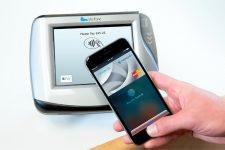 Транзакции с Apple Pay выросли на 50%