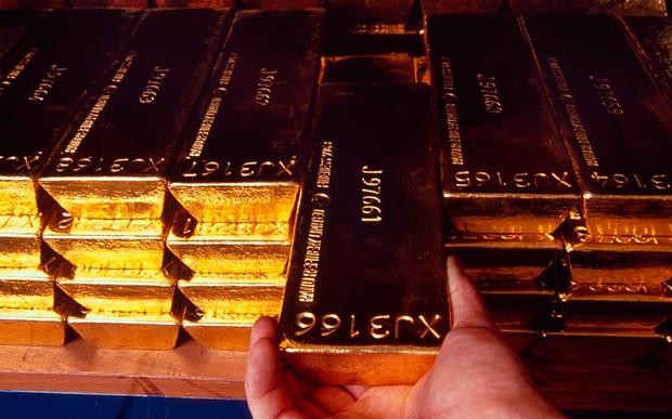 В Индии скупили 4 тонны золота за два дня (видео)