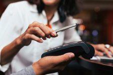 Мобильный шопинг стимулирует рост онлайн-продаж