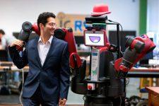 Люди готовы получать финансовые консультации от роботов: исследование