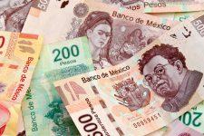 Валюта Мексики достигла рекордного минимума из-за Трампа