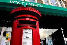 В Великобритании некому обслуживать клиентов банков