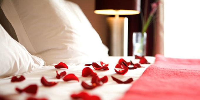 valentines-hotel-room