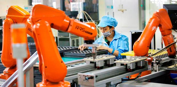 Сотрудников заменяют роботами