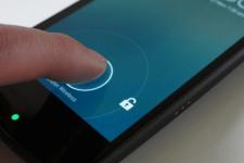 Опасные смартфоны: пользователи постоянно подвергаются кибератакам