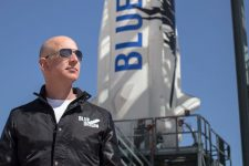 Основатель Amazon будет отправлять грузы на Луну