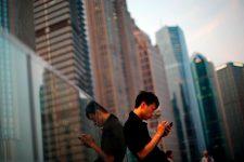Китайцы тратят со смартфонов триллионы долларов в год
