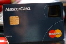 Mastercard тестирует карту со встроенным сканером отпечатка пальца