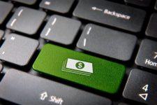 Киберполицейского обвиняют в вымогательстве электронной взятки