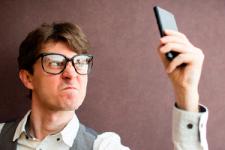 Осторожно, мошенники: украинцам массово отправляют SMS о блокировке карт