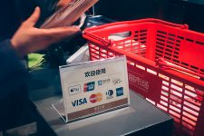 Мобильные платежи в Китае достигли рекордной отметки